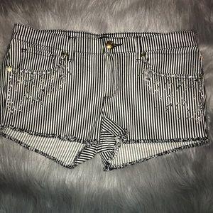 Juicy Couture shorts size 27 EUC
